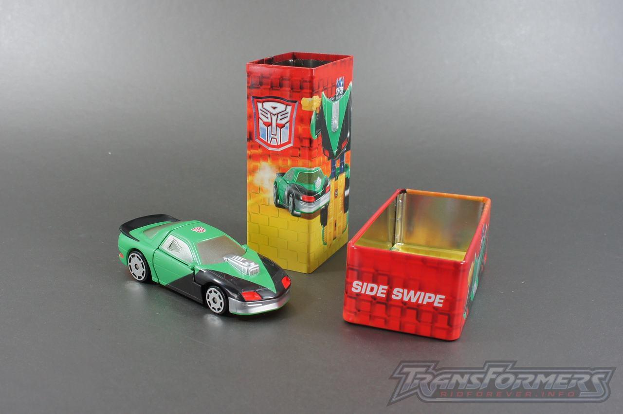 Tiny Tin Side Swipe-004