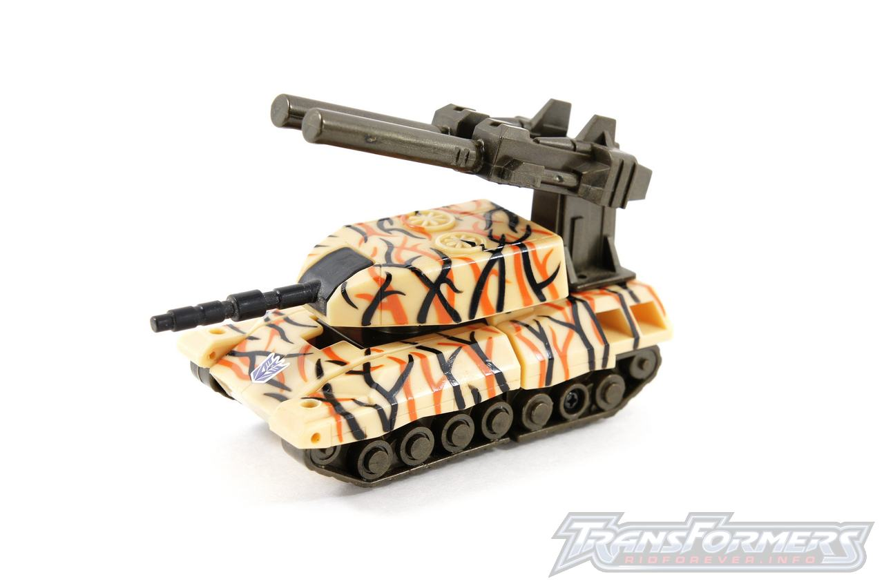 Universe Desert Camo Armorhide-001