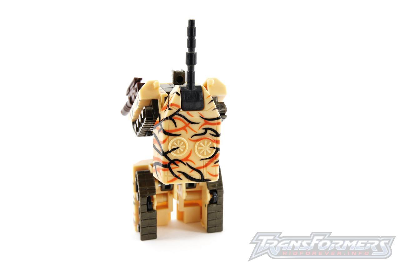 Universe Desert Camo Armorhide-006