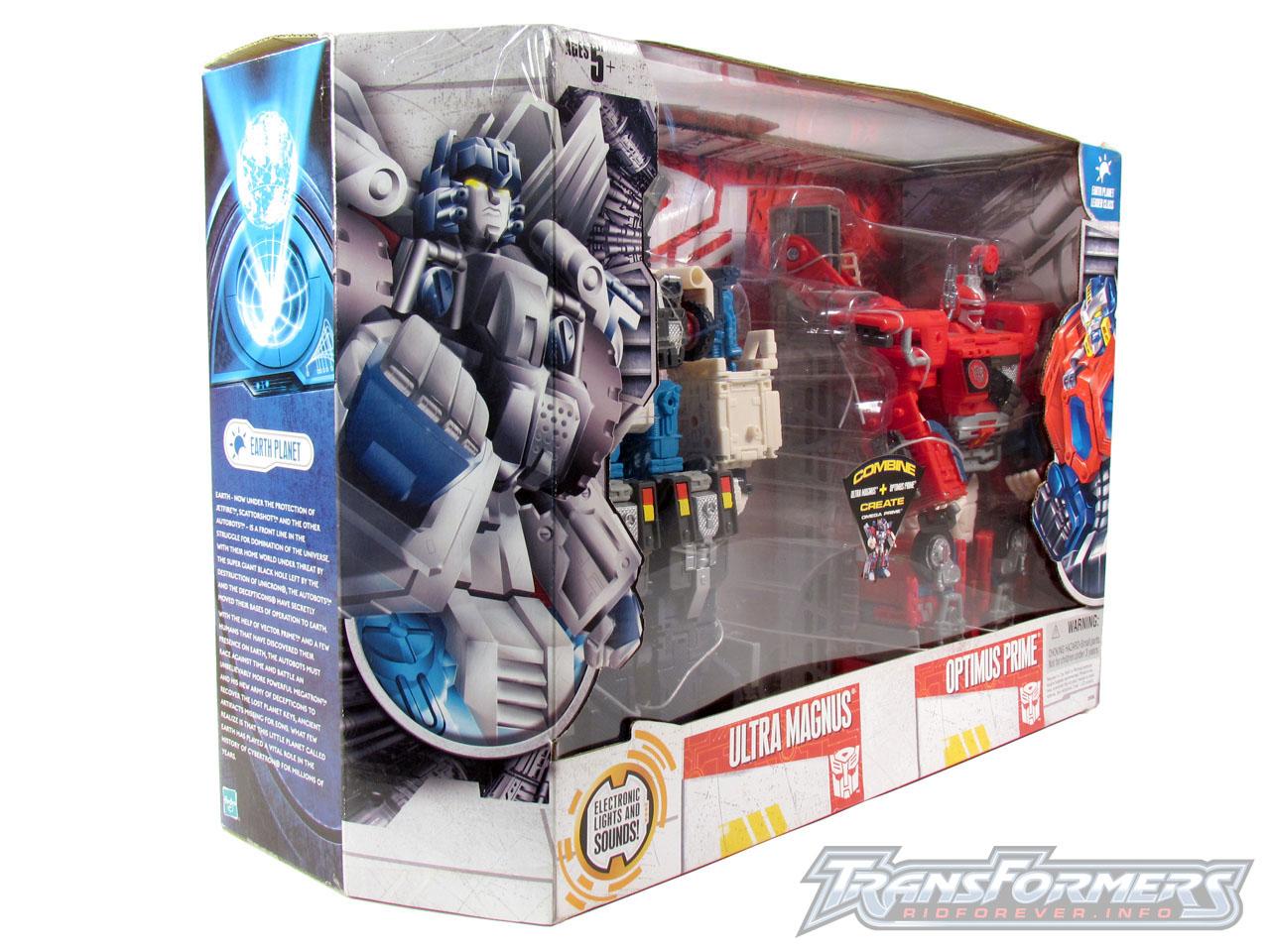 Cybertron Omega Prime 002