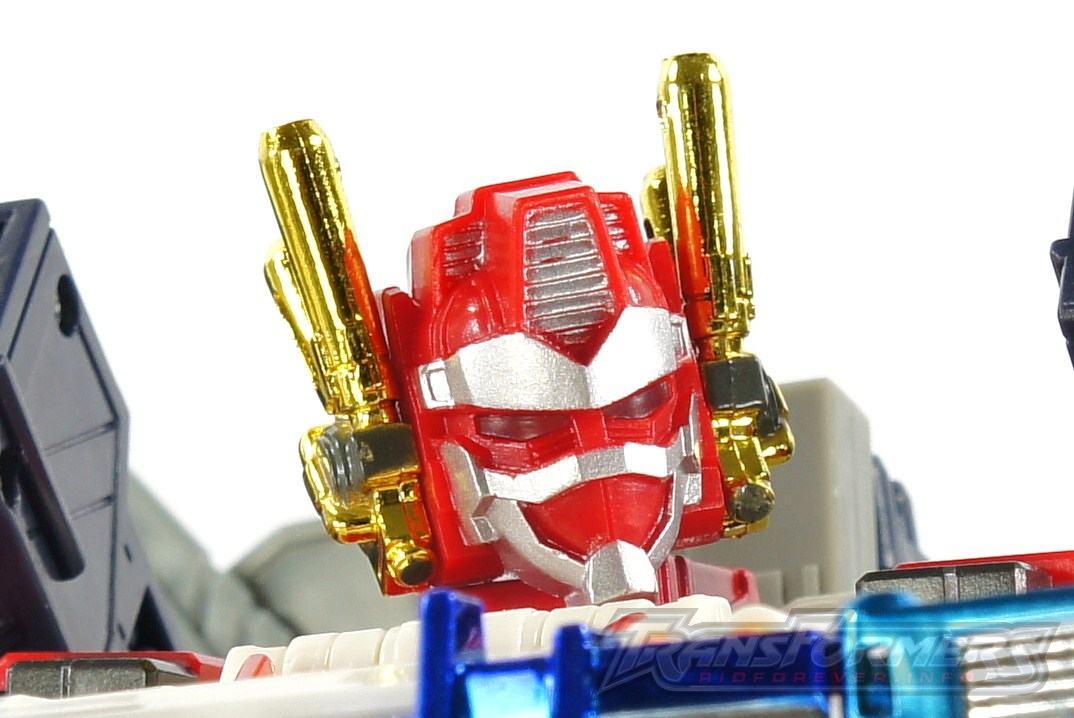 Cybertron Omega Prime 05