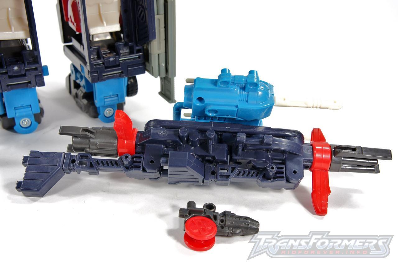 Cybertron Omega Prime 11