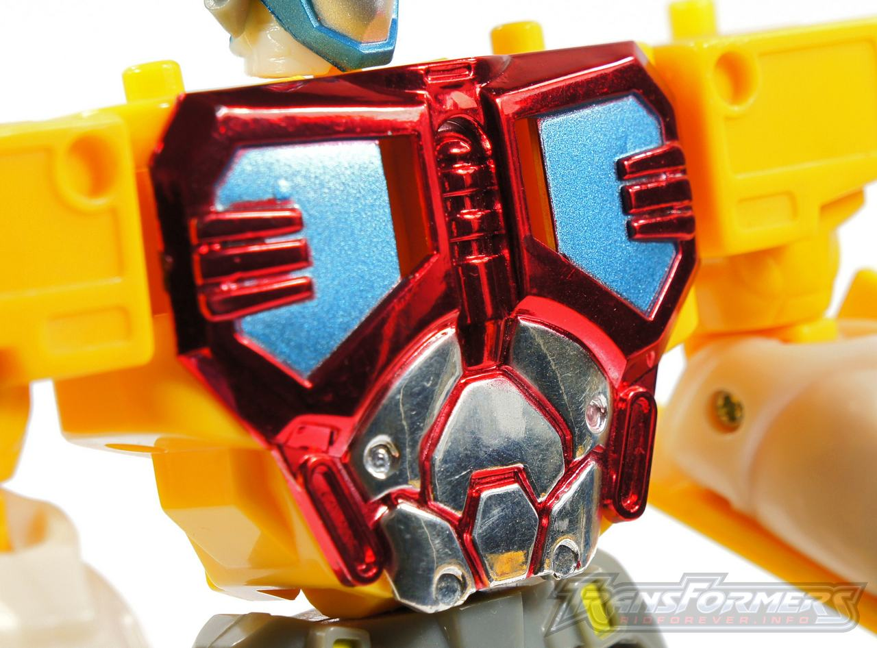 Universe Yellow Optimus Prime 003