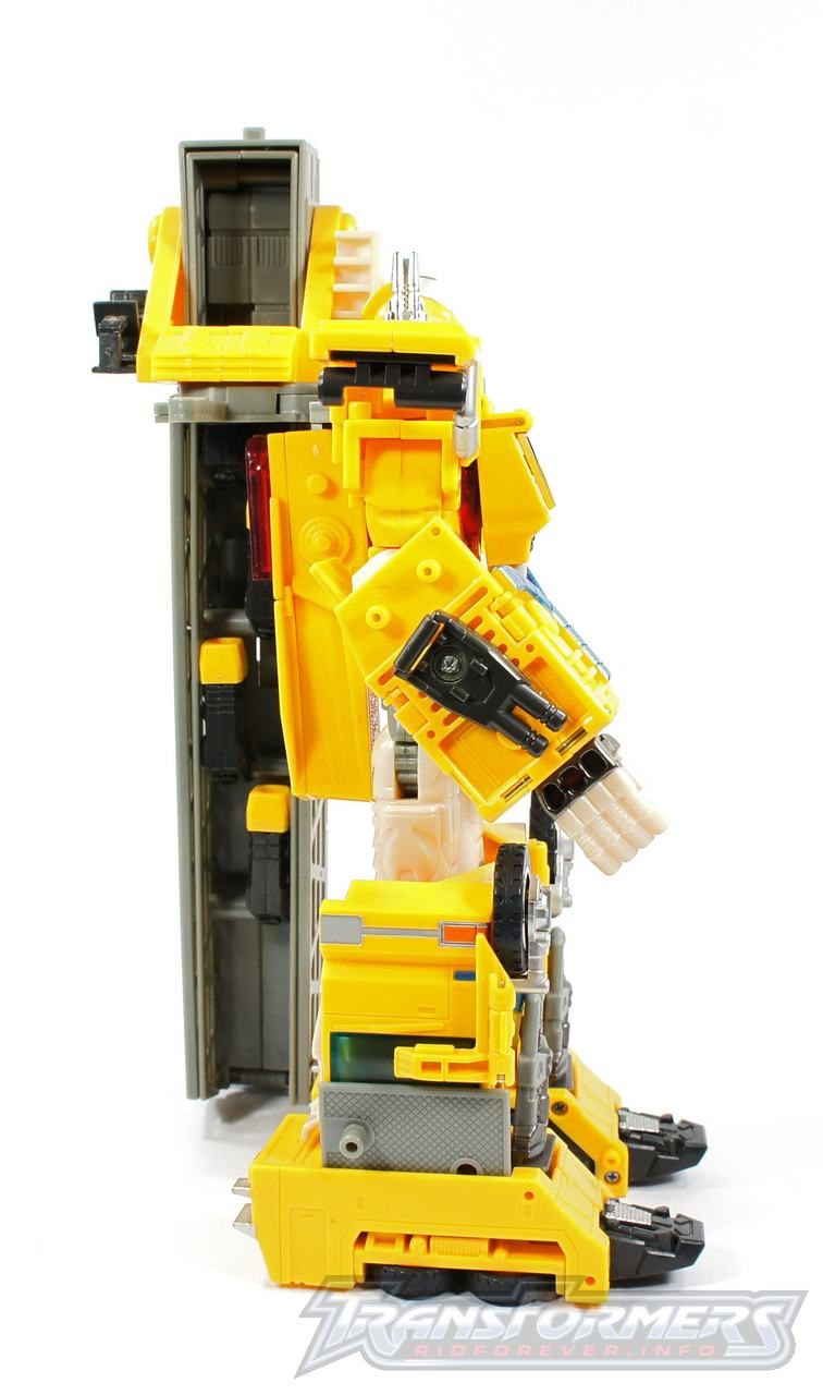 Universe Yellow Optimus Prime 017