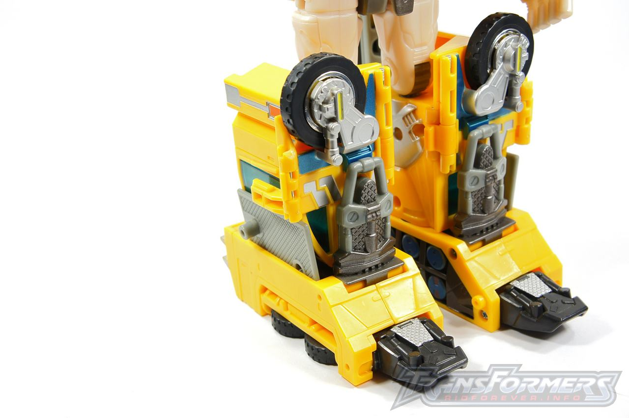 Universe Yellow Optimus Prime 022