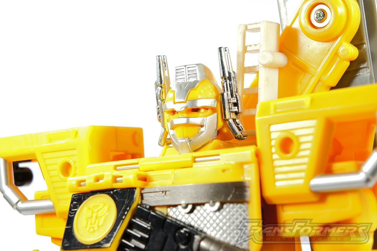 Universe Yellow Optimus Prime 023