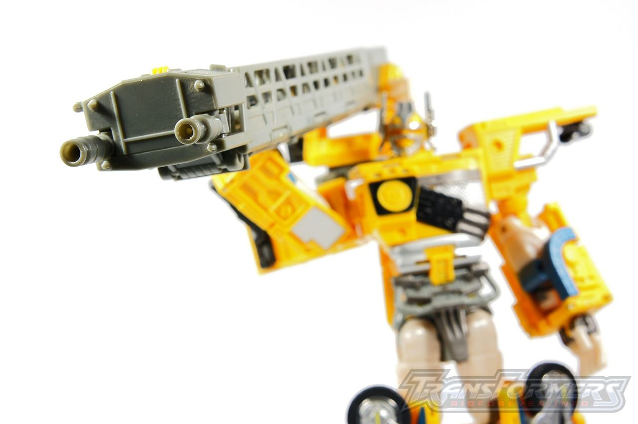 Universe Yellow Optimus Prime 027