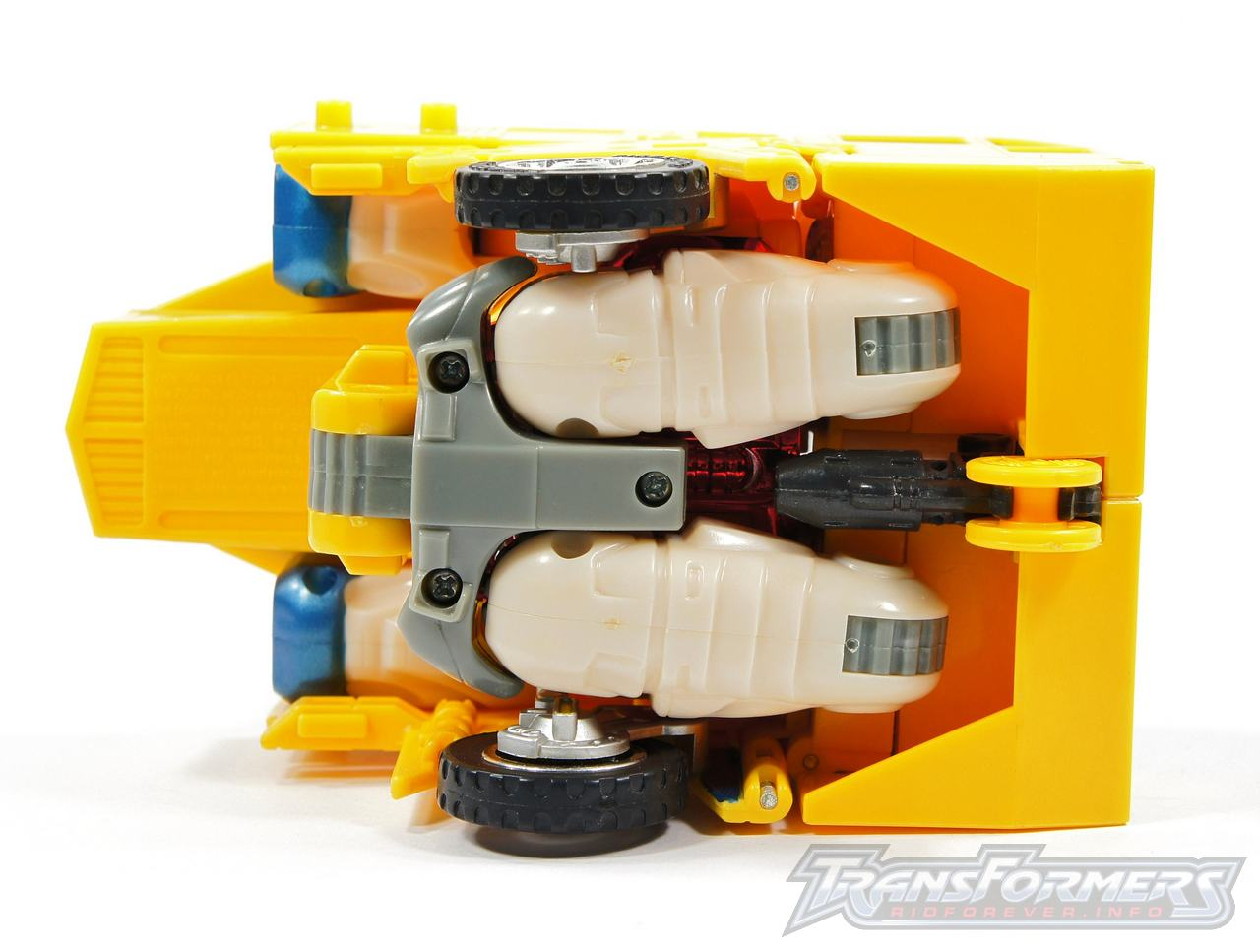 Universe Yellow Optimus Prime 040