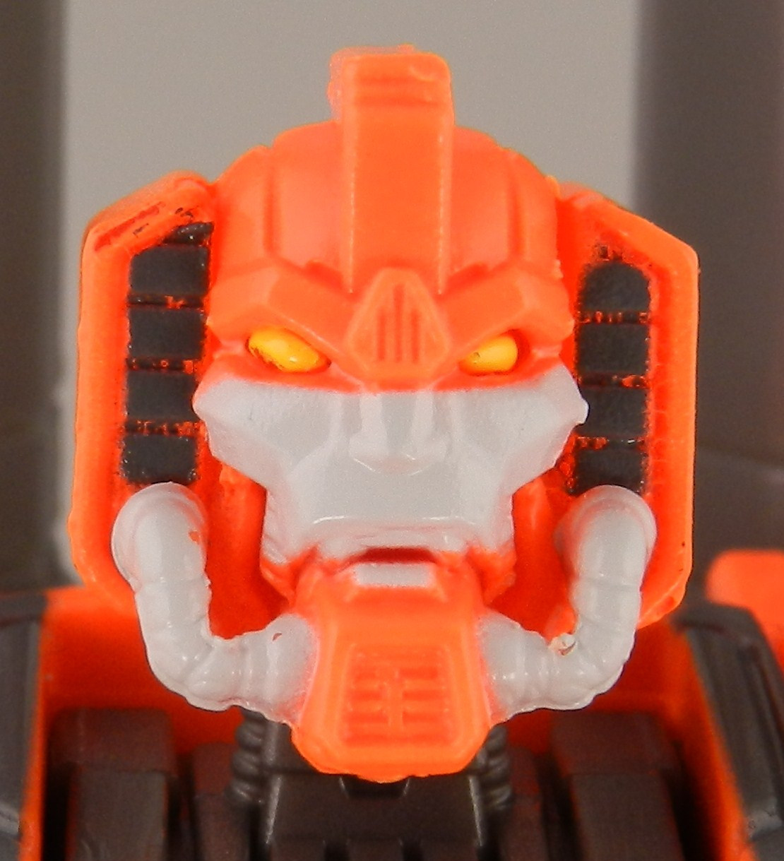 jhiaxus-head-front-jpg