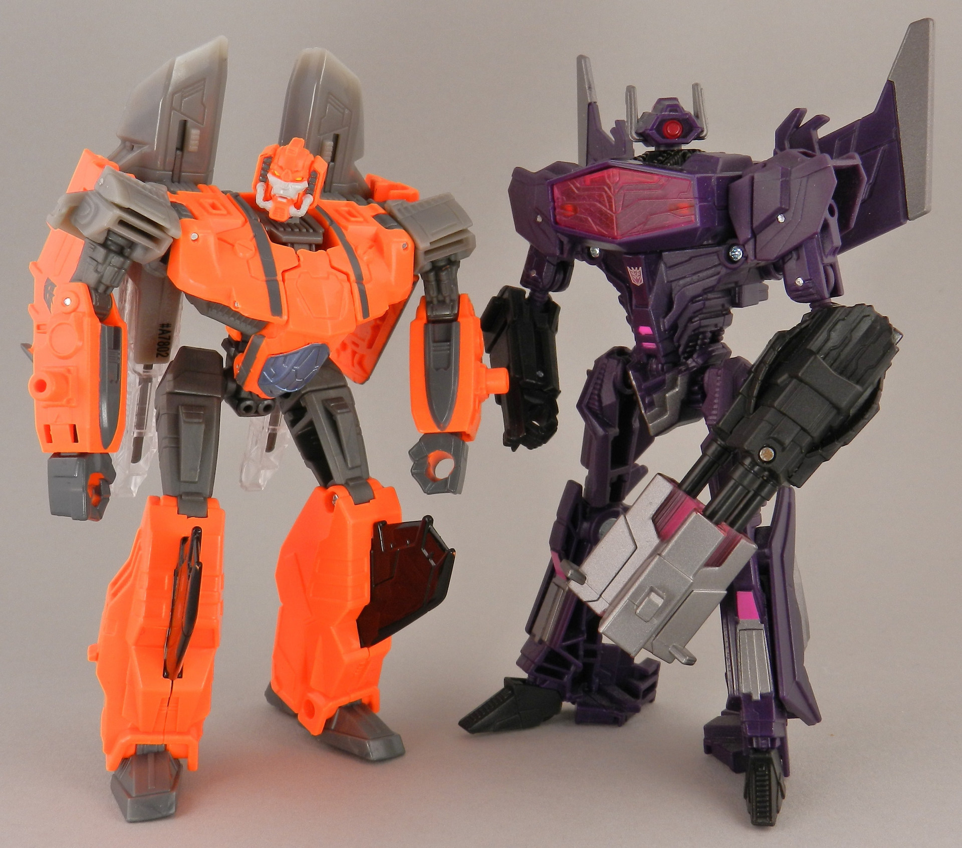 jhiaxus-with-fall-of-cybertron-shockwave-jpg