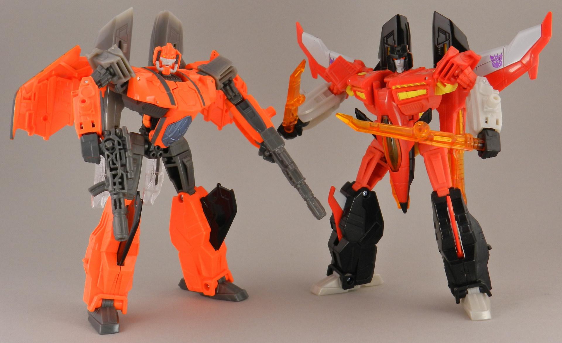 jhiaxus-with-generations-armada-starscream-robot-2-jpg