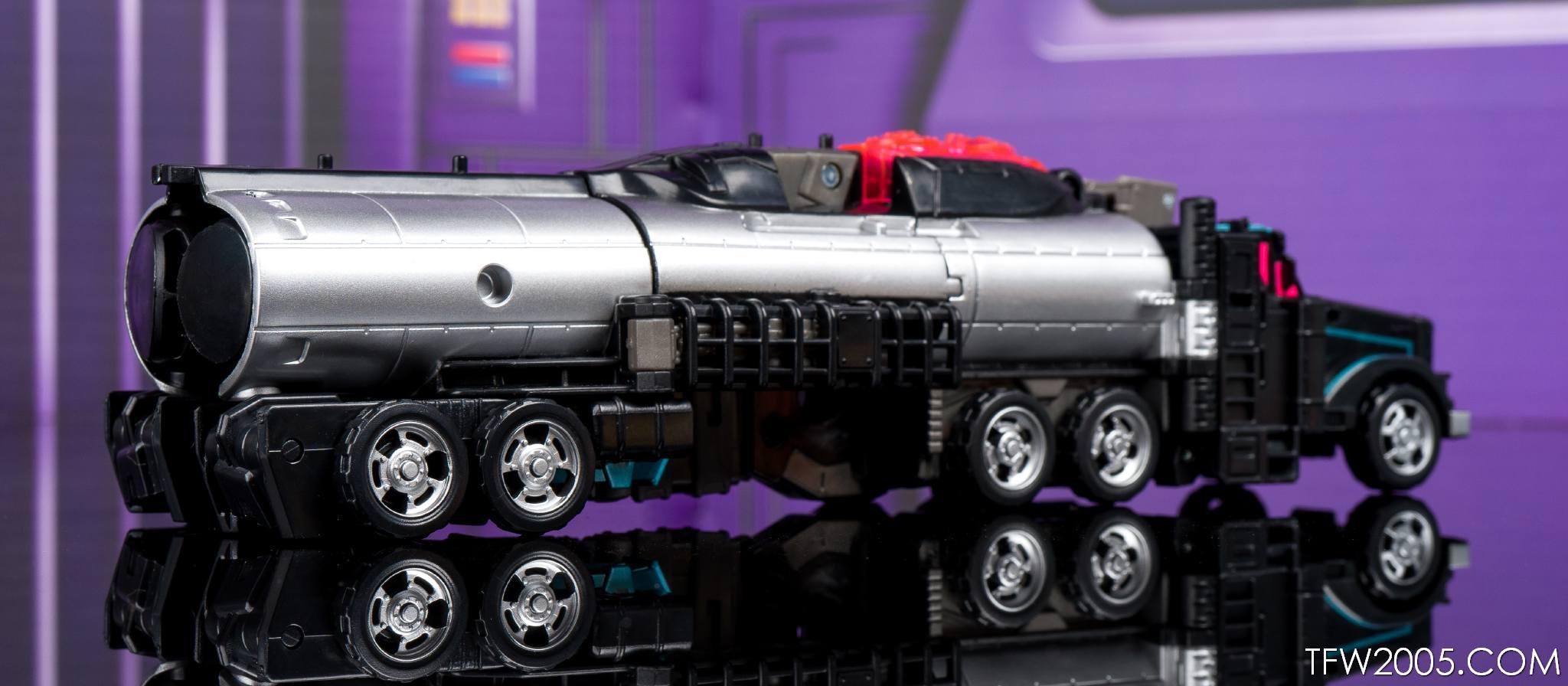 Tokyo Toy Show 2017 Black Convoy 019