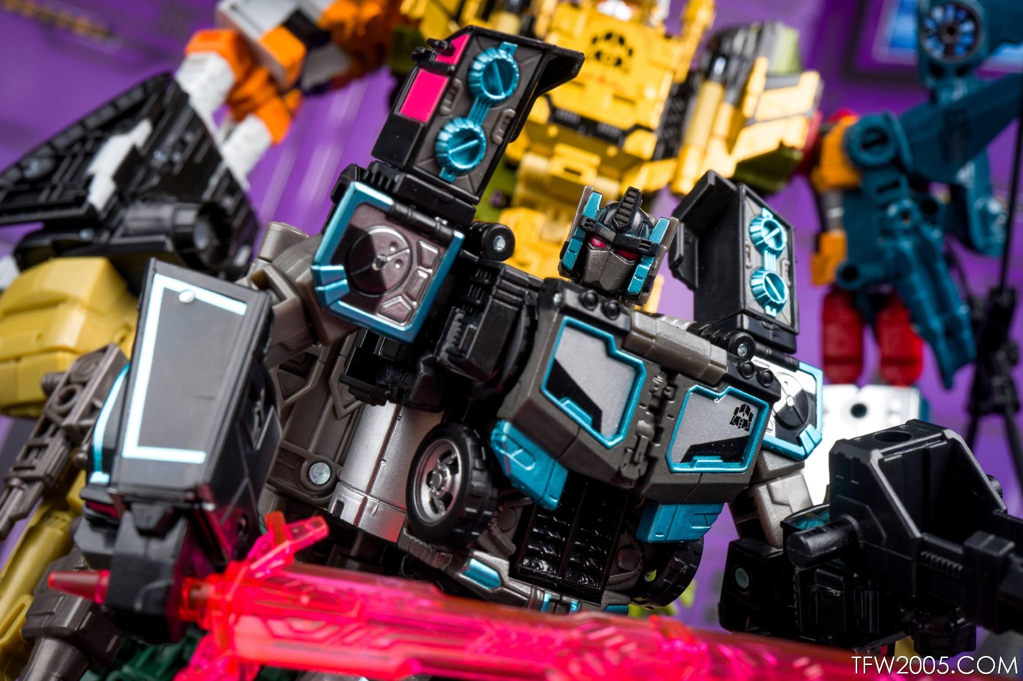 Tokyo Toy Show 2017 Black Convoy 078