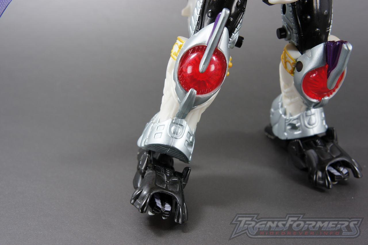 Devil Gigatron Robot 015