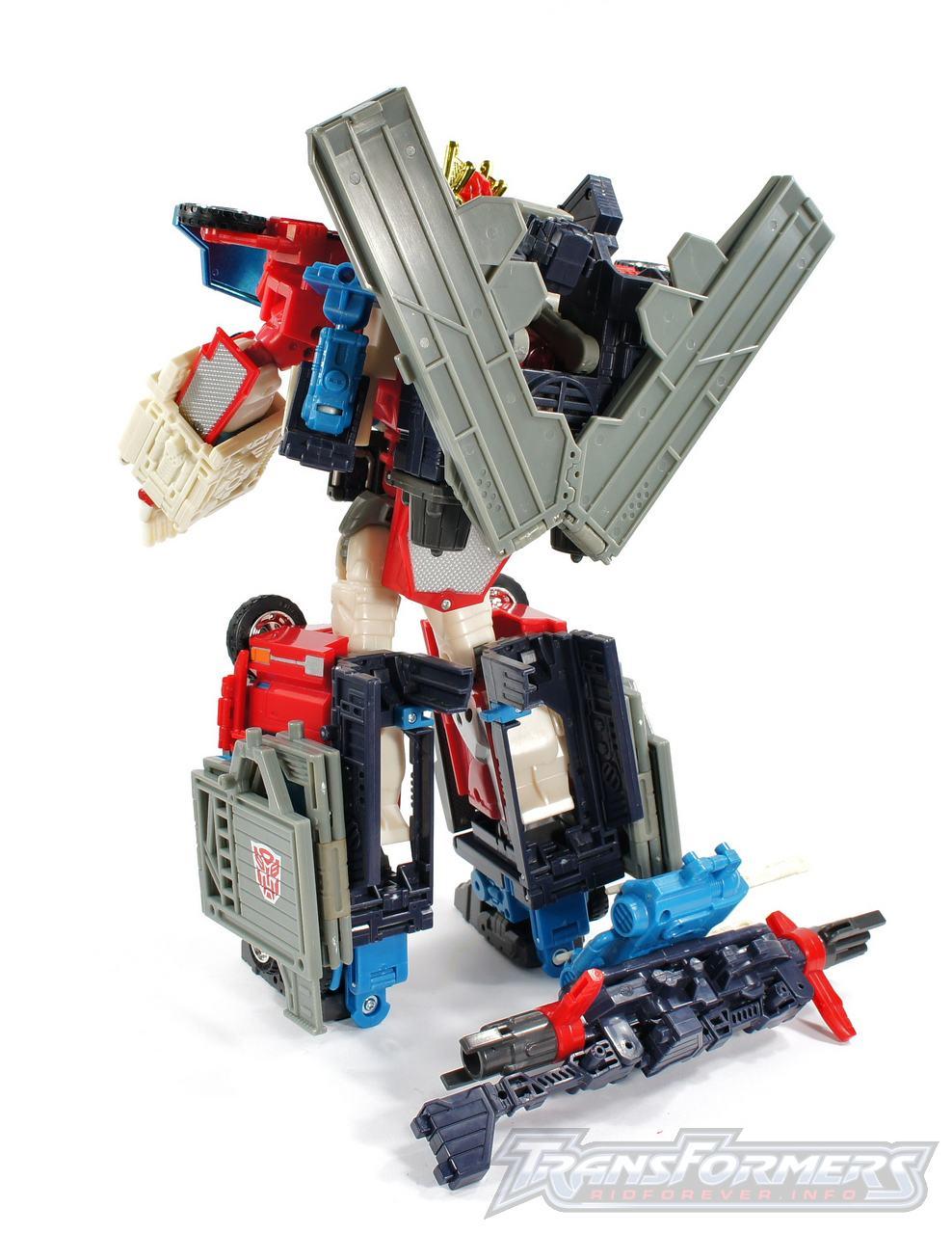 Cybertron Omega Prime 02