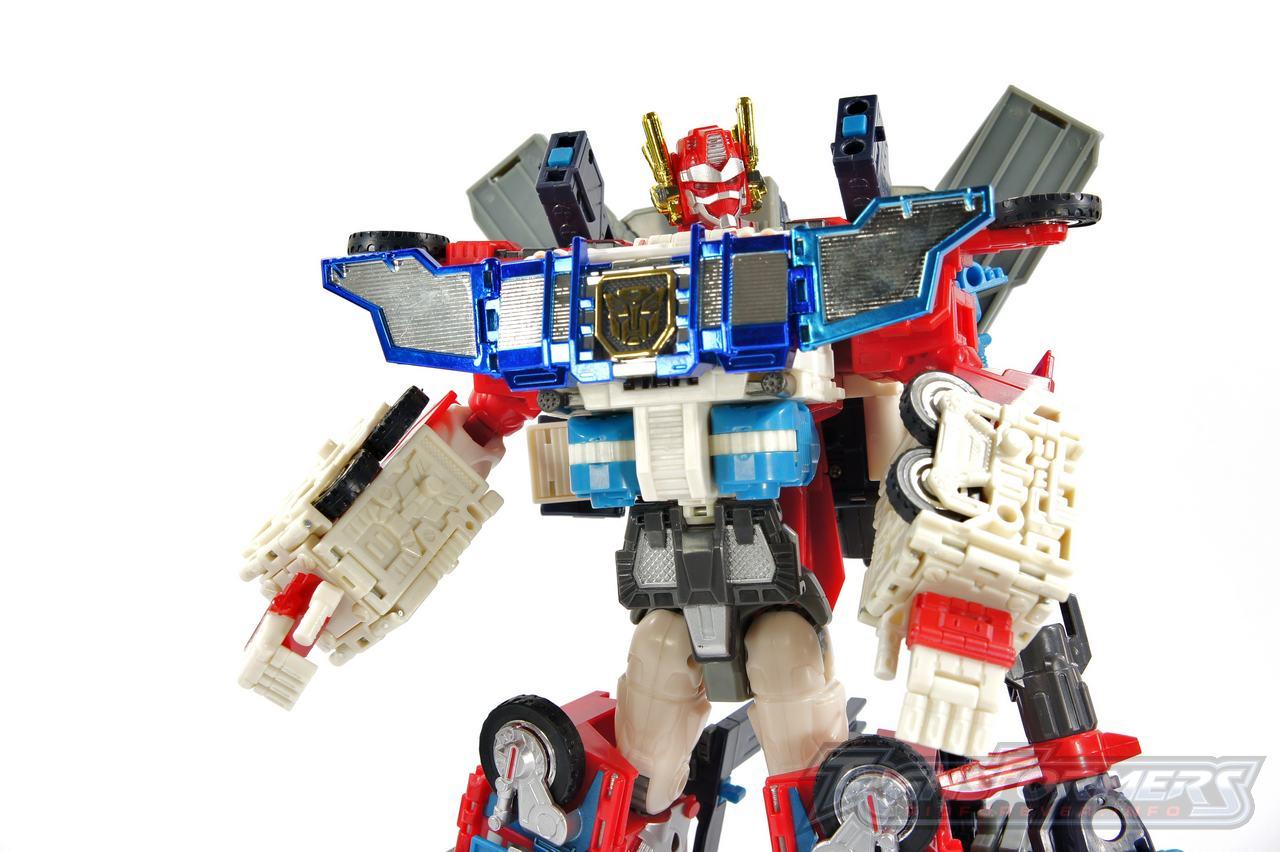 Cybertron Omega Prime 03
