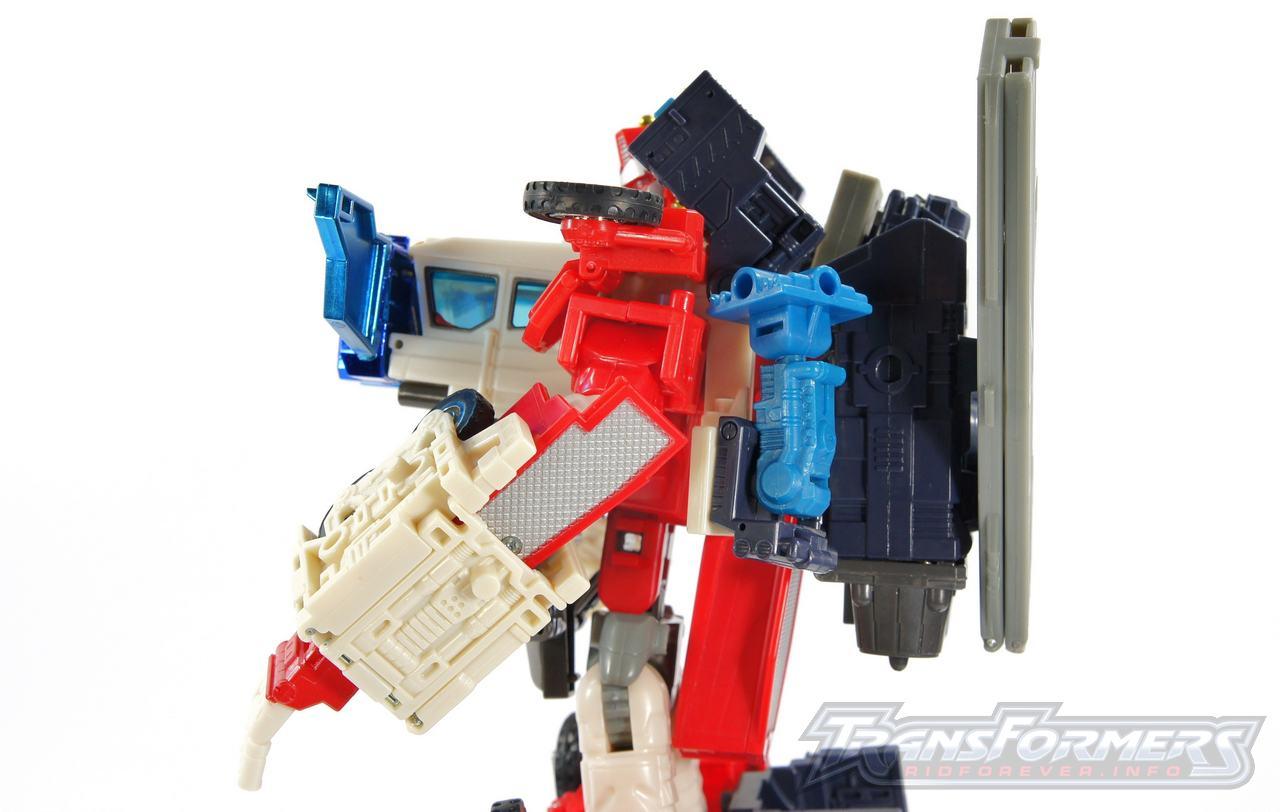 Cybertron Omega Prime 06