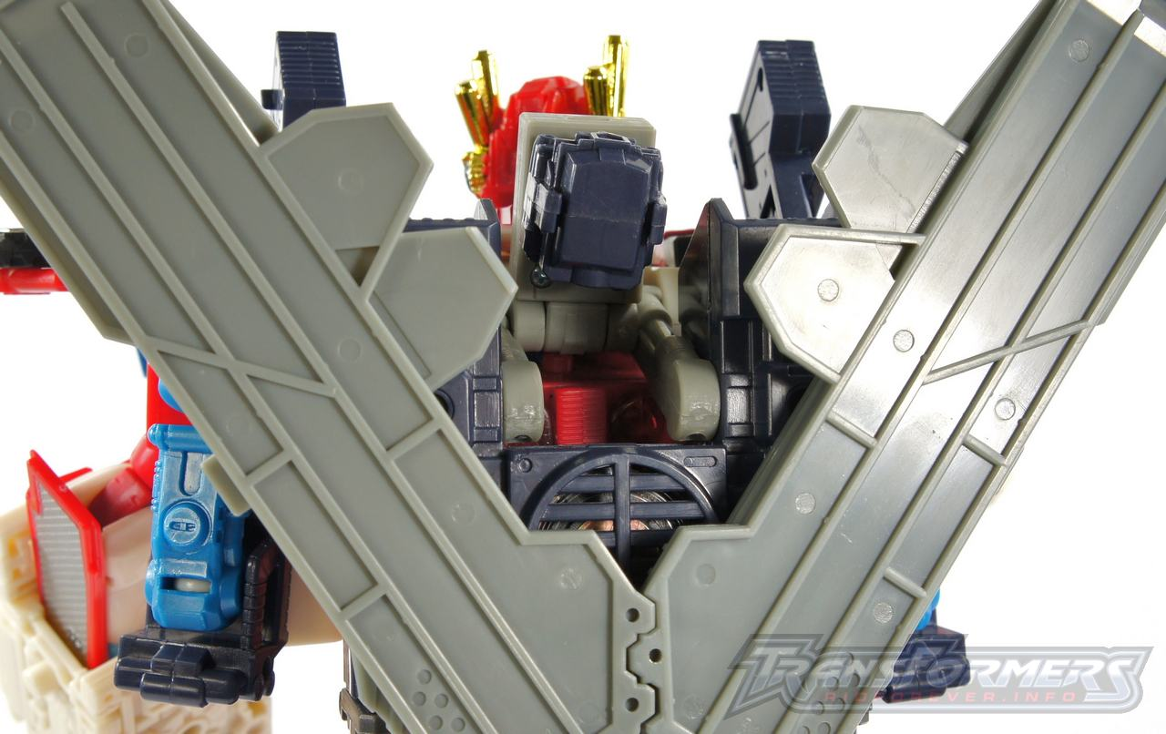 Cybertron Omega Prime 10