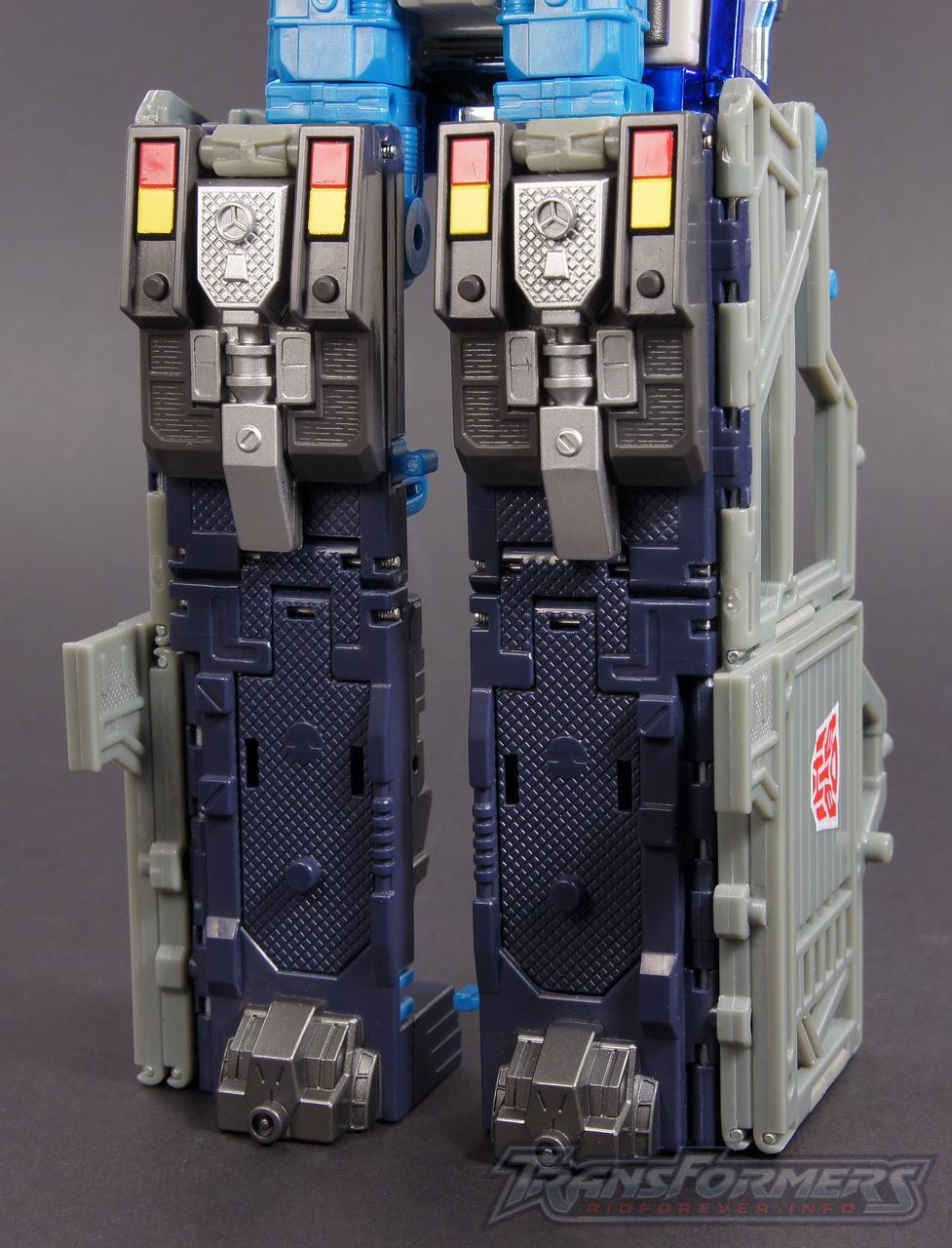 Cybertron Ultra Magnus 10