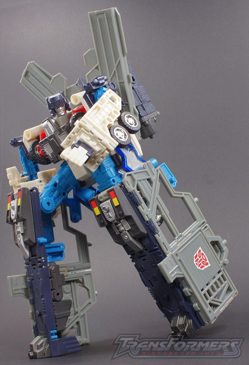 Cybertron Ultra Magnus 13