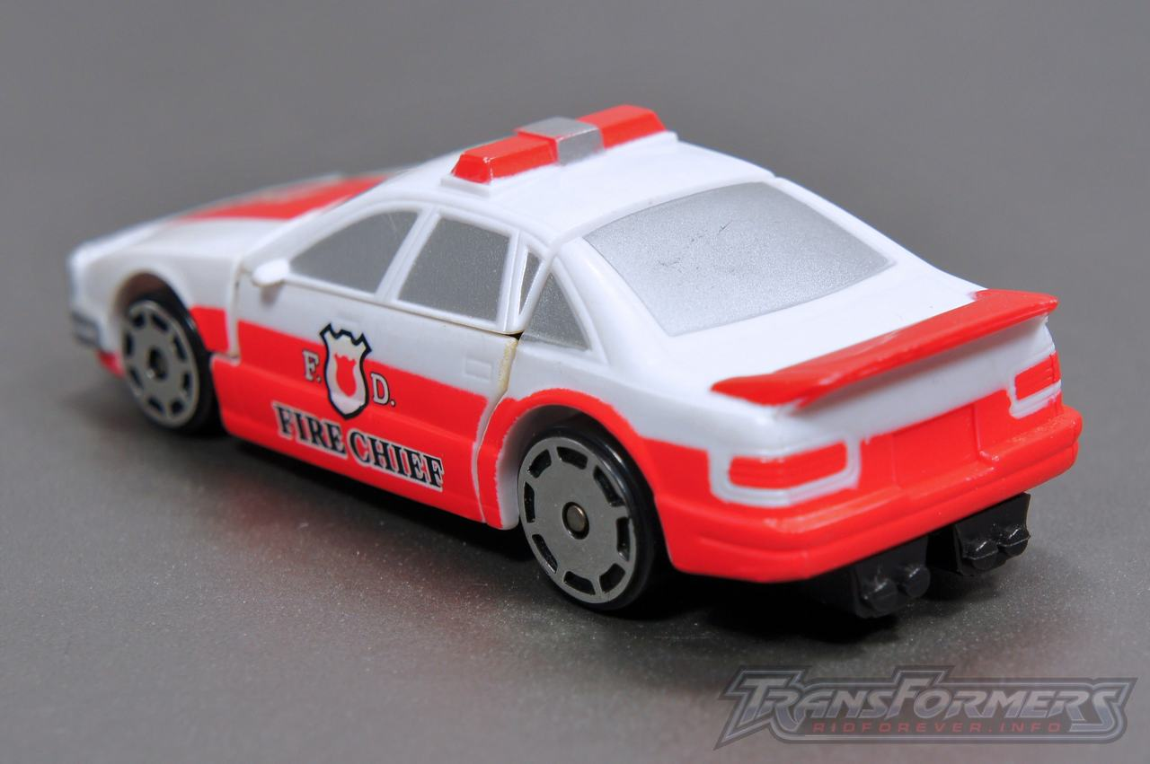 Universe G1 Prowl Red Alert 02