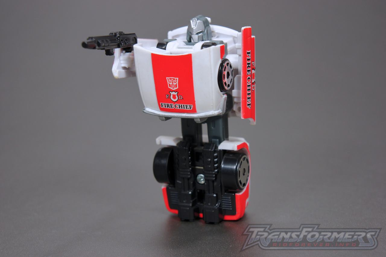 Universe G1 Prowl Red Alert 05