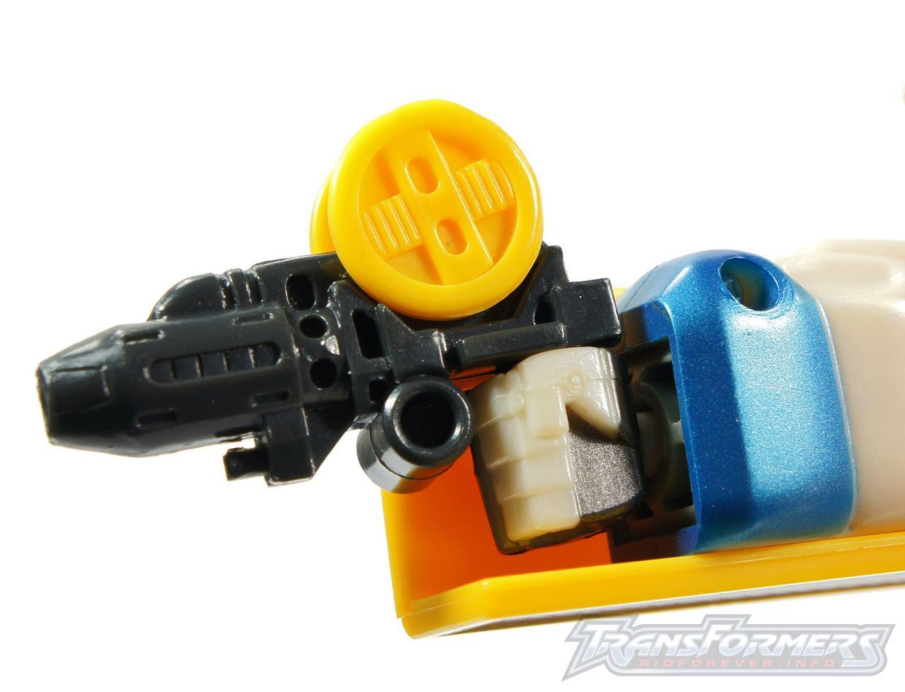 Universe Yellow Optimus Prime 004