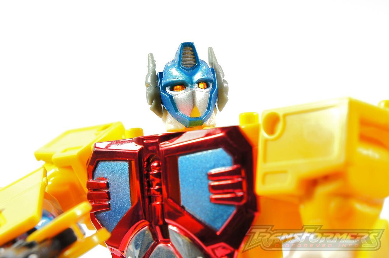 Universe Yellow Optimus Prime 005