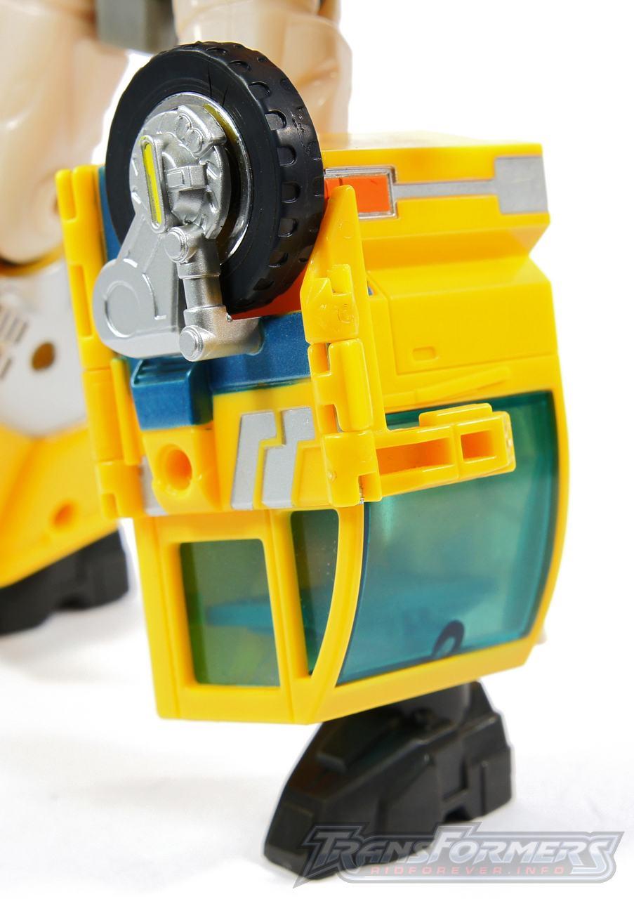 Universe Yellow Optimus Prime 006