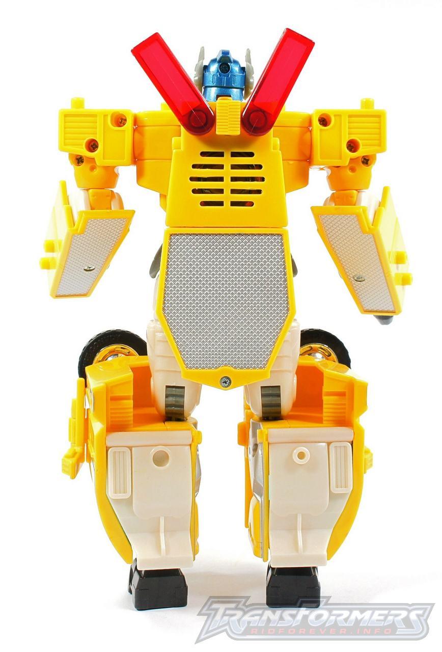 Universe Yellow Optimus Prime 012