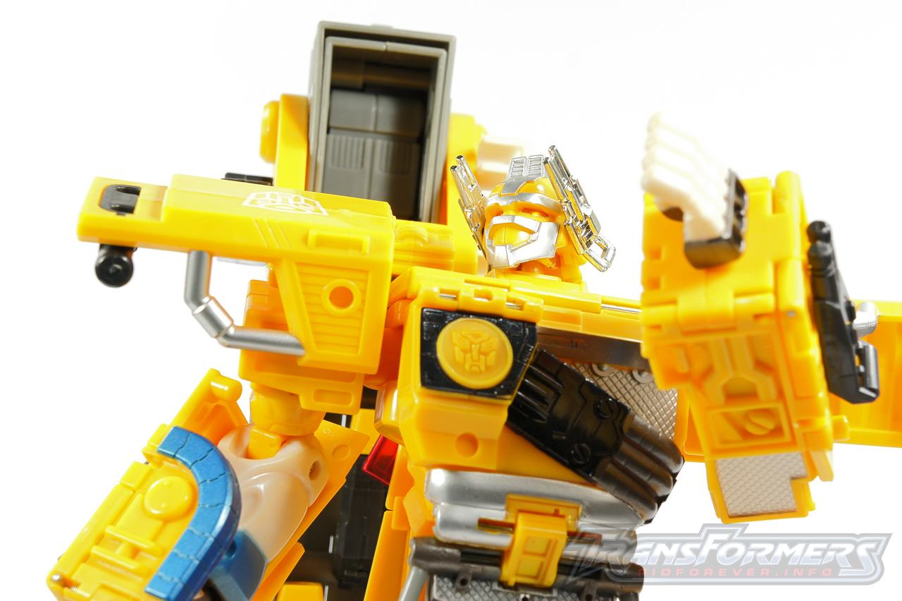 Universe Yellow Optimus Prime 030