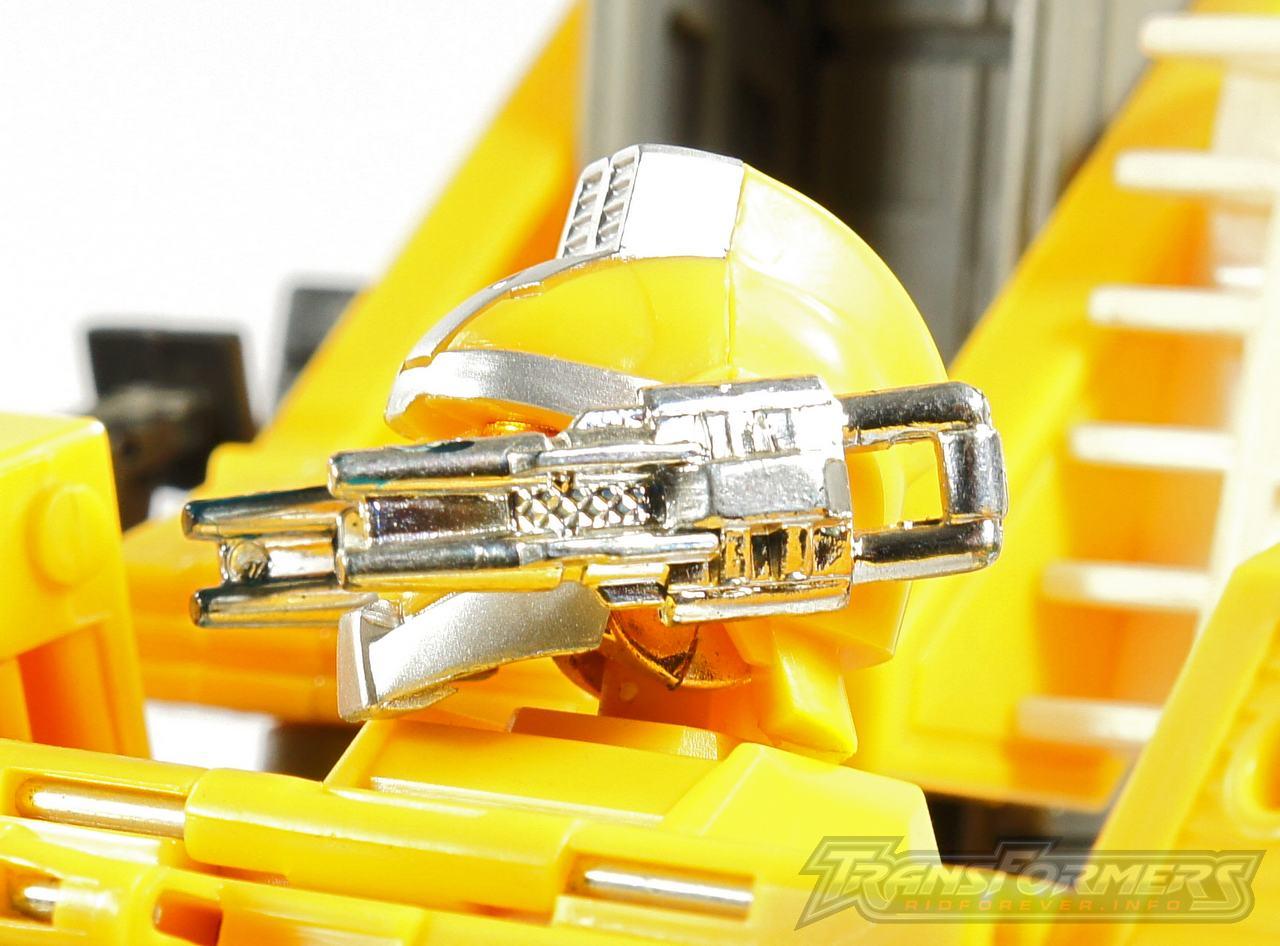 Universe Yellow Optimus Prime 032
