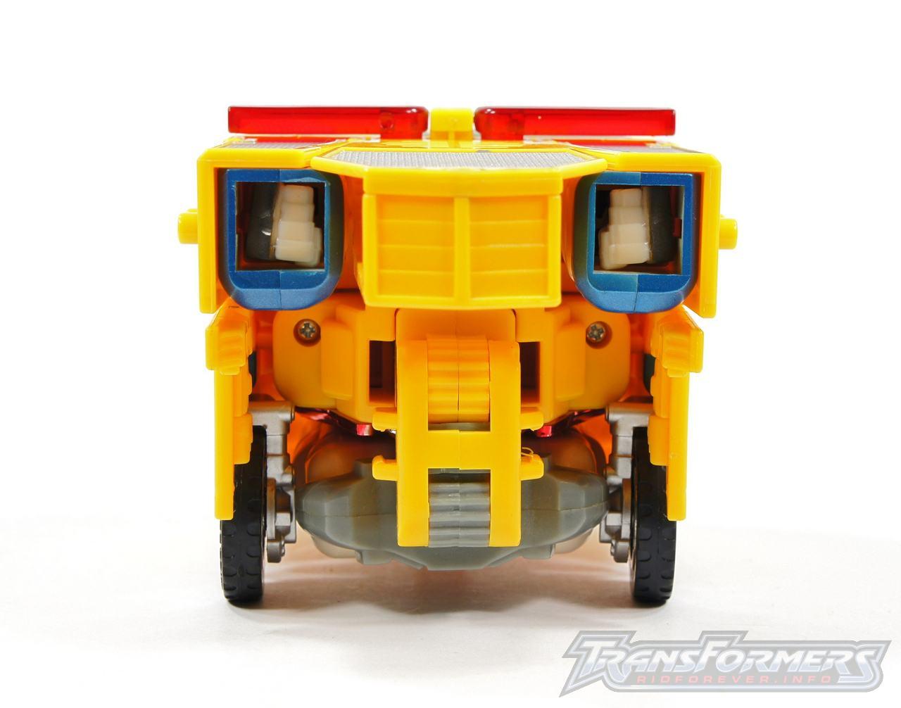 Universe Yellow Optimus Prime 036