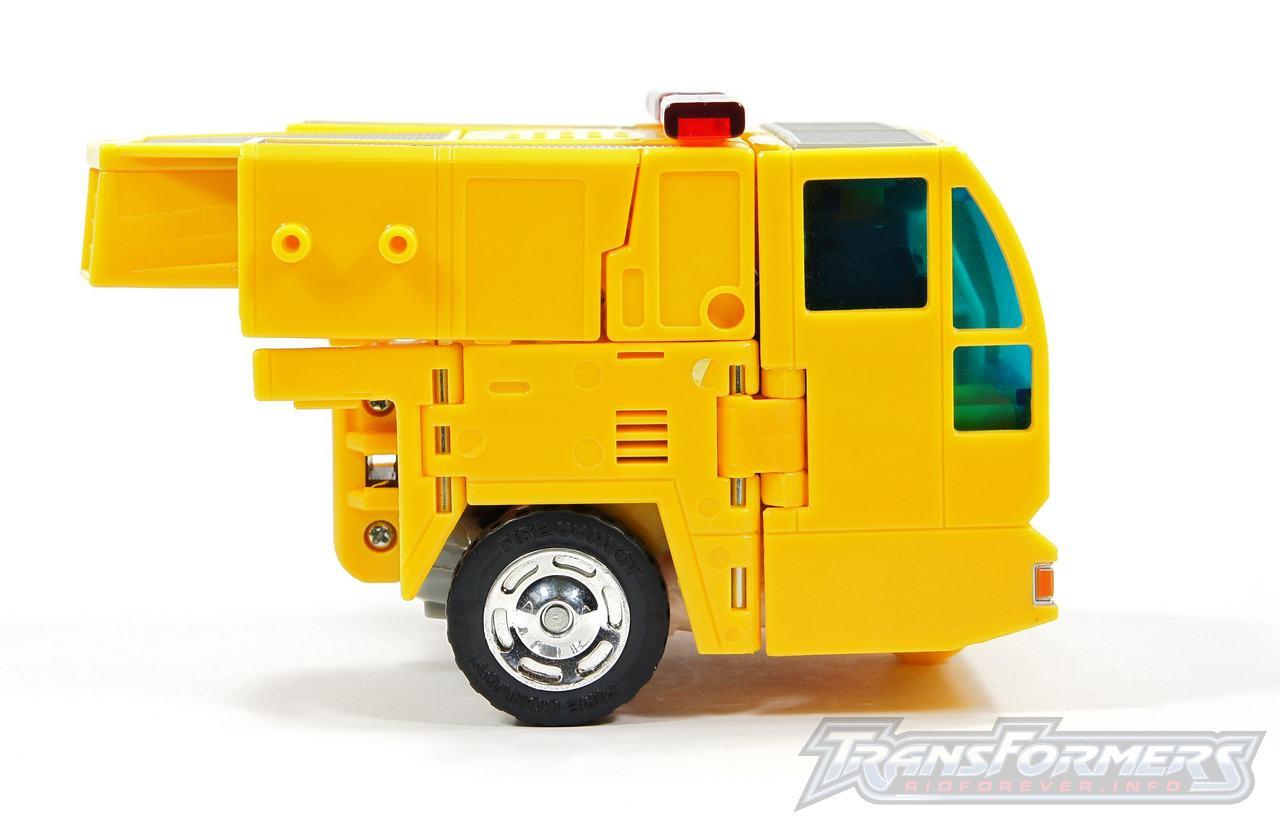 Universe Yellow Optimus Prime 037
