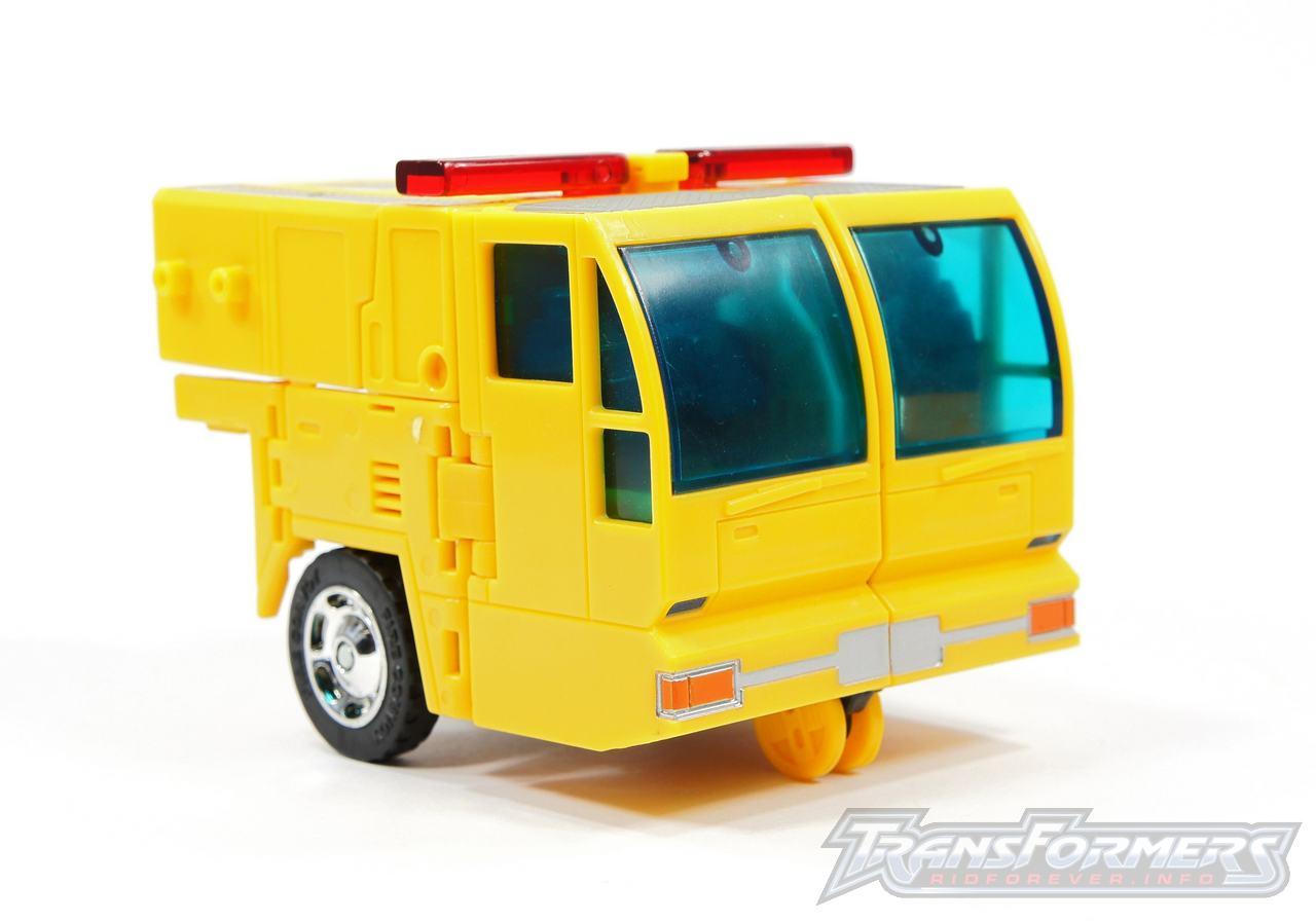 Universe Yellow Optimus Prime 038