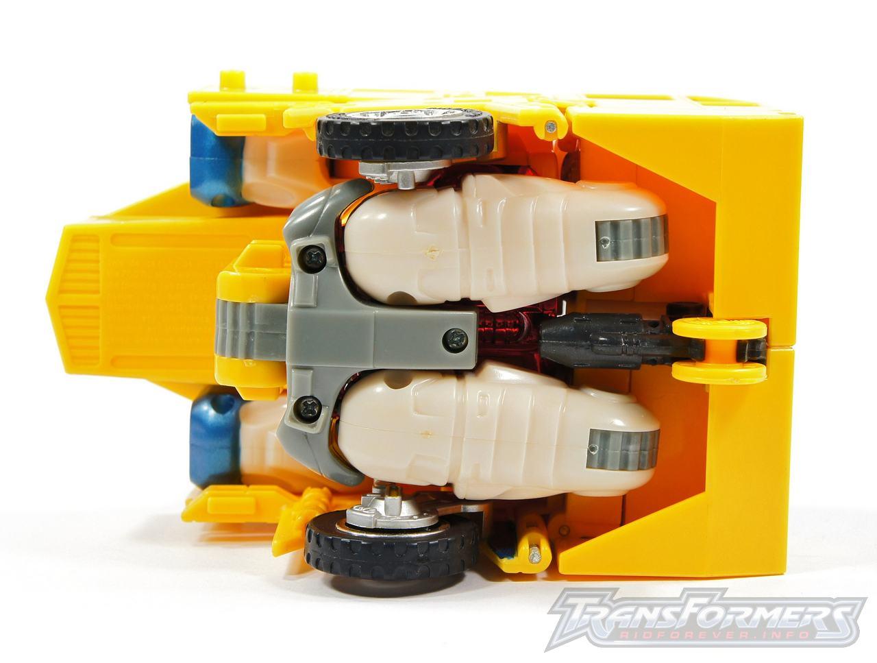 Universe Yellow Optimus Prime 040