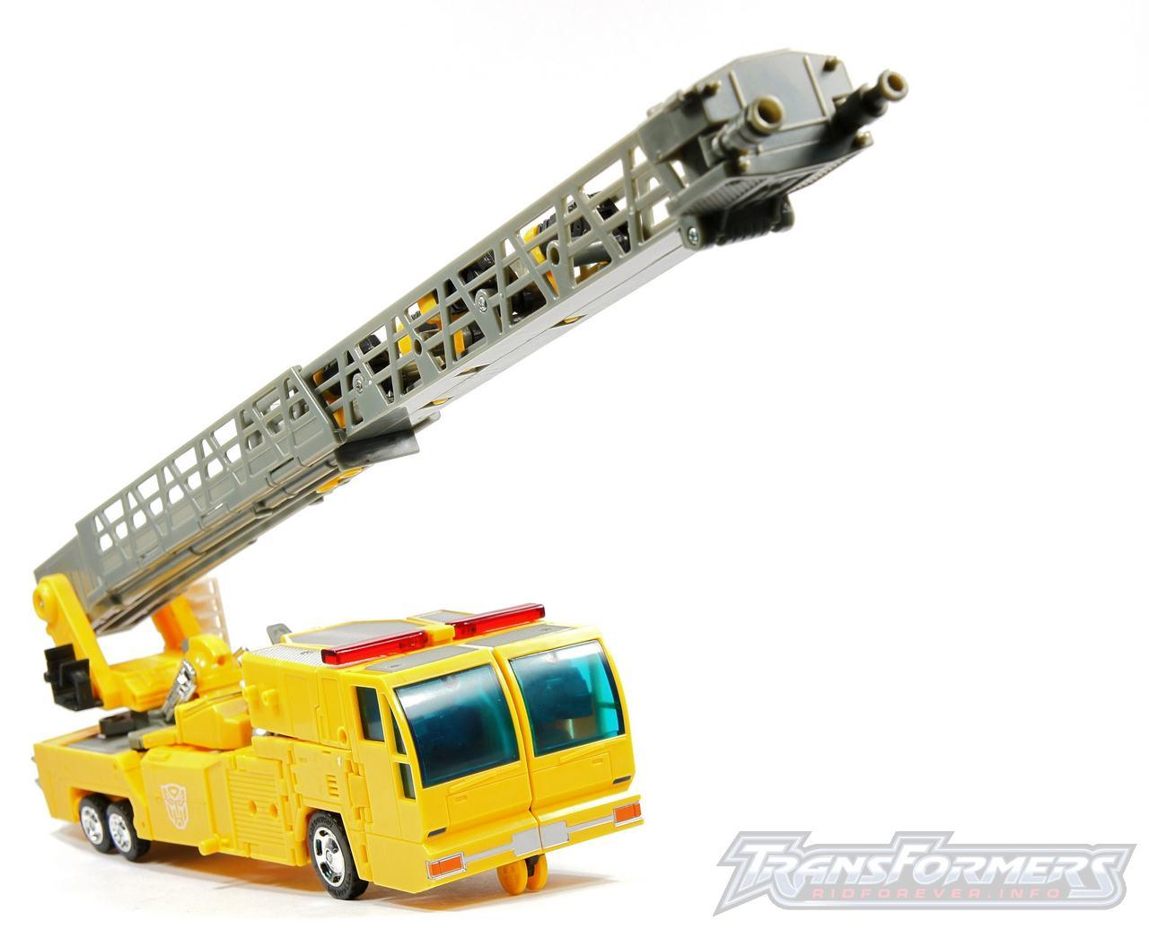 Universe Yellow Optimus Prime 045