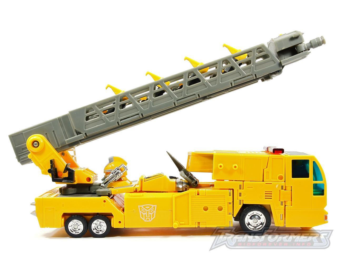 Universe Yellow Optimus Prime 046