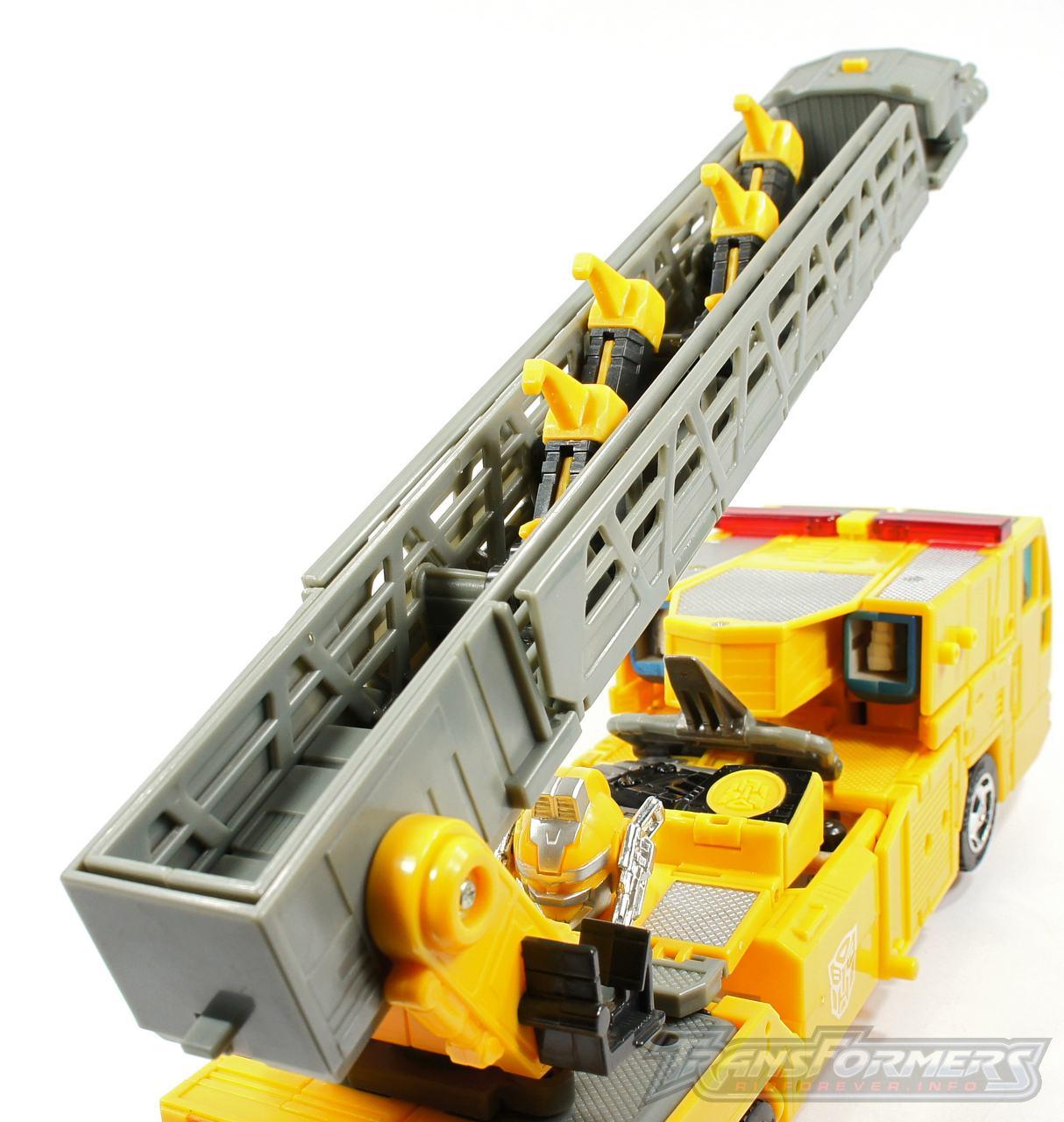 Universe Yellow Optimus Prime 047