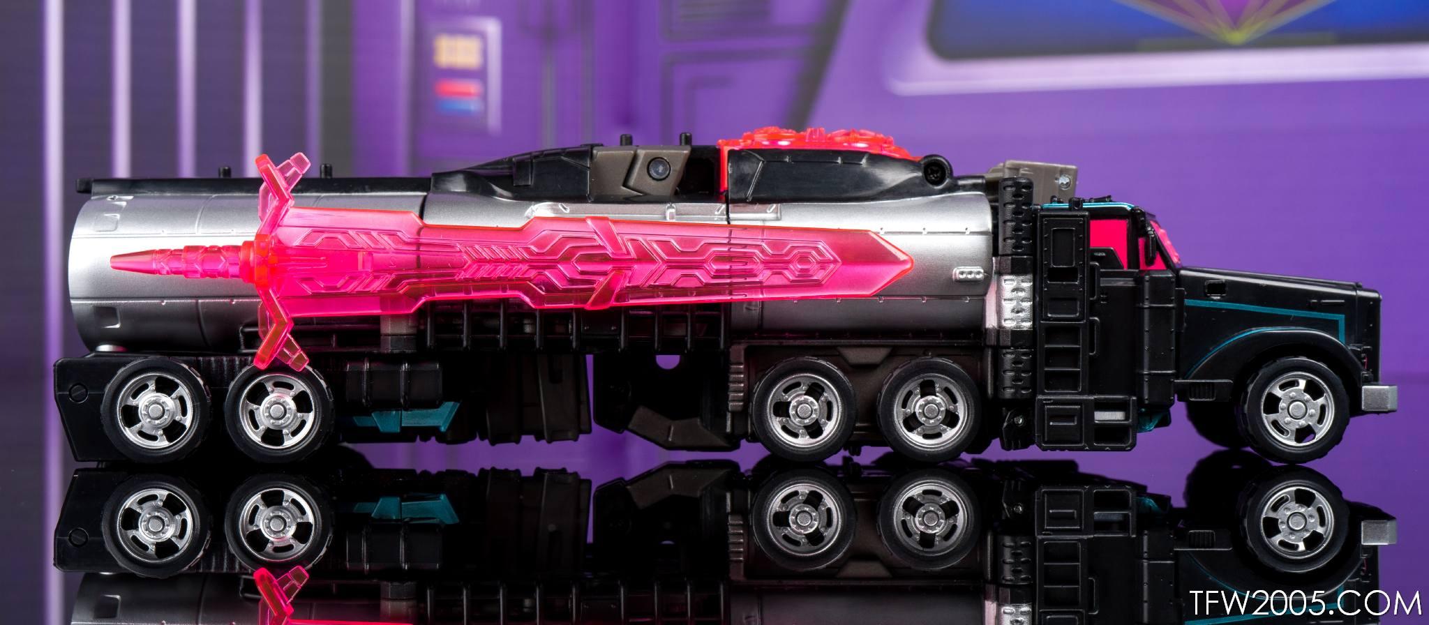 Tokyo Toy Show 2017 Black Convoy 023