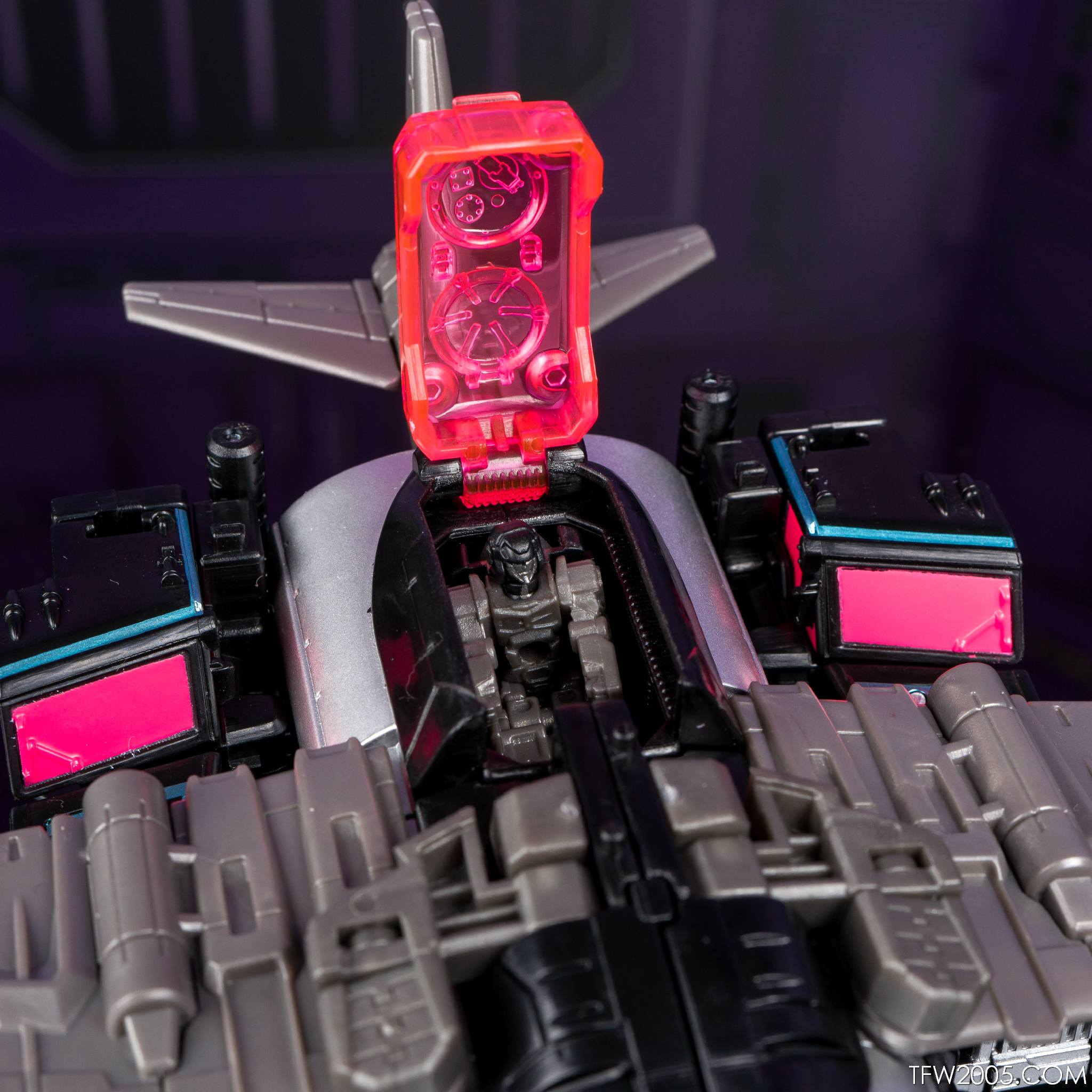 Tokyo Toy Show 2017 Black Convoy 044