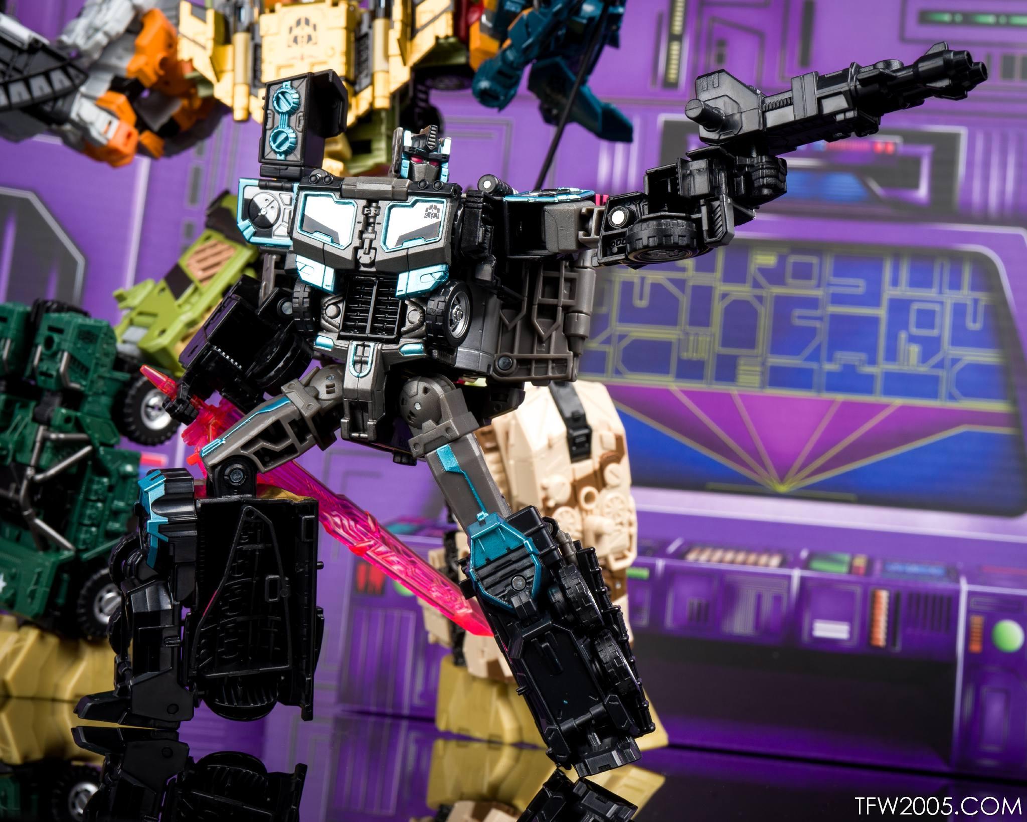 Tokyo Toy Show 2017 Black Convoy 081