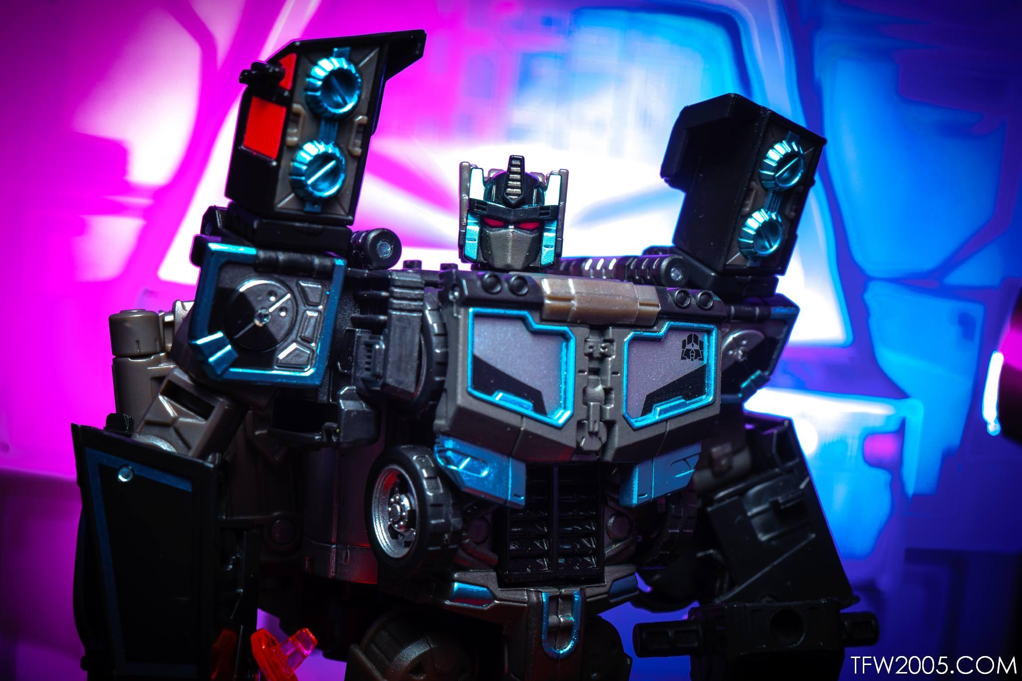Tokyo Toy Show 2017 Black Convoy 095